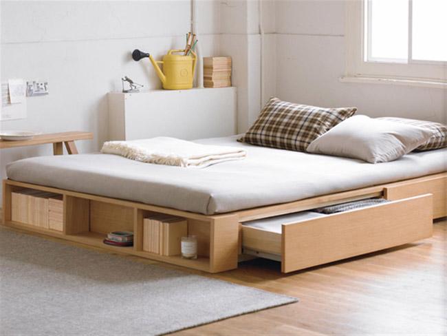 Chiếc giường đa năng có ngăn kéo để chứa đồ dùng.
