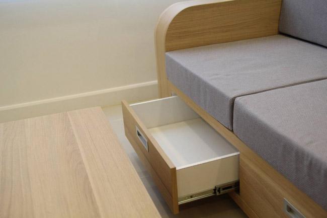 Bộ ghế sofa cũng có ngăn chứa đồ dùng khi cần