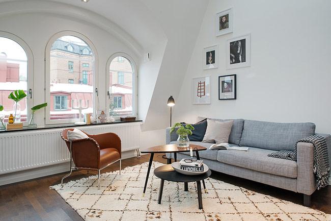 Chẳng khó khăn gì để nhận ra đồ nội thất theo phong cách Bắc Âu ngay từ cái nhìn đầu tiên bởi, mặc dù có nhiều biến thể khác nhau nhưng chúng vẫn luôn sở hữu những điểm chung như: được làm từ chất liệu gỗ, sử dụng những gam màu nhẹ nhàng, trung tính…