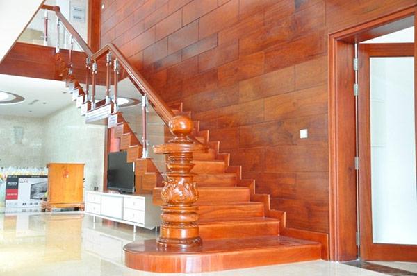 Trên đây là một số mẫu thang đẹp phù hợp cho các công trình kiến trúc sang trọng. Hiện trên thị trường có bán nhiều mẫu cầu thang đẹp mắt, cùng với nhiều phong cách thiết kế khác nhau cho bạn lựa chọn. Hãy thử một trong những mẫu cầu thang sang trọng mà chúng tôi vừa chia sẻ trên để có một không gian thật sang trọng và tuyệt vời nhất nhé!