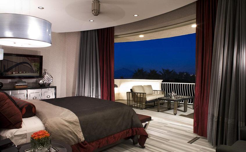Kính viễn vọng trong phòng ngủ có lẽ là hình ảnh bạn thường được thấy trên tạp chí hay phim ảnh. Nếu yêu thích thiên văn, bạn hoàn toàn có thể tham khảo mẫu phòng ngủ này cho riêng mình.