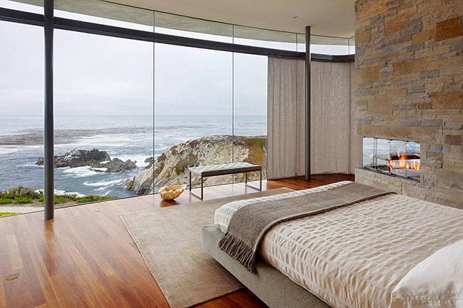Thật là tuyệt vời khi từ chiếc giường của bạn có thể ngắm nhìn cảnh biển thế này.