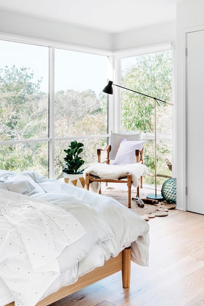 Đầu tiên phải kể đến đó là sự hòa trộn hoàn hảo giữa vẻ đẹp và với không gian bên trong phòng ngủ.