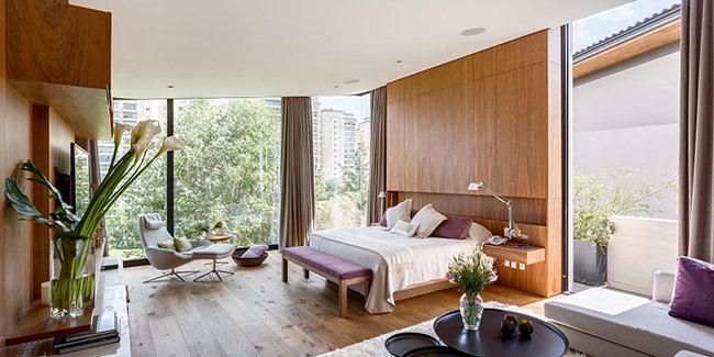 Đặc biệt là việc thiết kế đi kèm những tấm rèm mỏng càng khiến cho không gian căn phòng thêm mơ màng, êm ái.