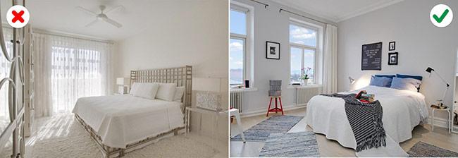 Sử dụng màu trắng cho toàn bộ ngôi nhà sẽ đem lại cảm giác cực kỳ nhàm chán, đó là lý do vì sao bạn nên bổ sung thêm một vài màu sắc khác để tạo nên một cái nhìn bắt mắt hơn