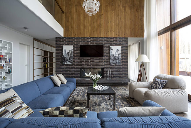 gạch ốp tường thì các loại đá thô, đá tự nhiên cũng khá được ưa chuộng cho phòng khách