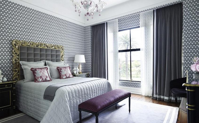 Sử dụng rèm che giúp hạn chế sức nóng do ánh nắng chiếu vào các cửa sổ.