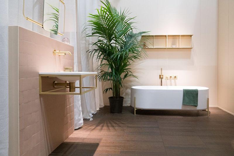 Đây cũng là một loại bồn tắm có thể được chia sẻ thoải mái bởi hai người cùng một lúc.