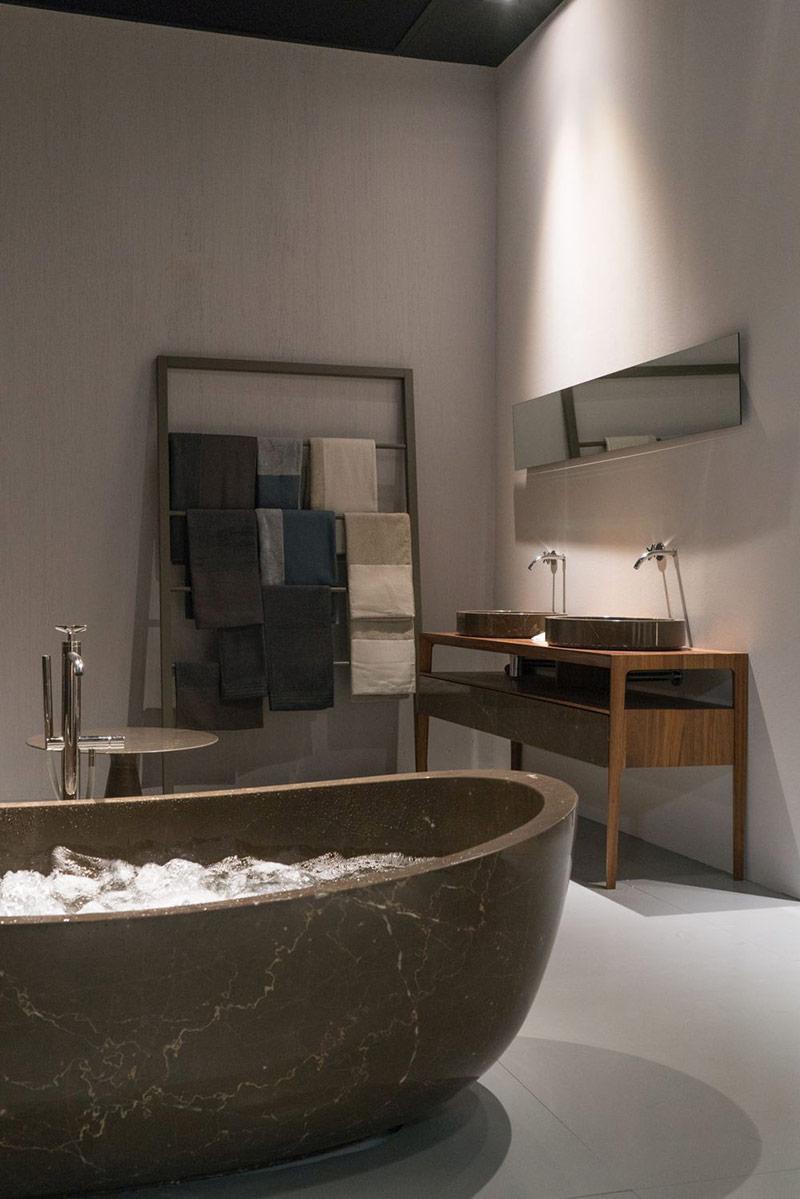Mặc dù bồn tắm thường là tâm điểm của phòng tắm, nhưng không phải lúc nào cũng như vậy.